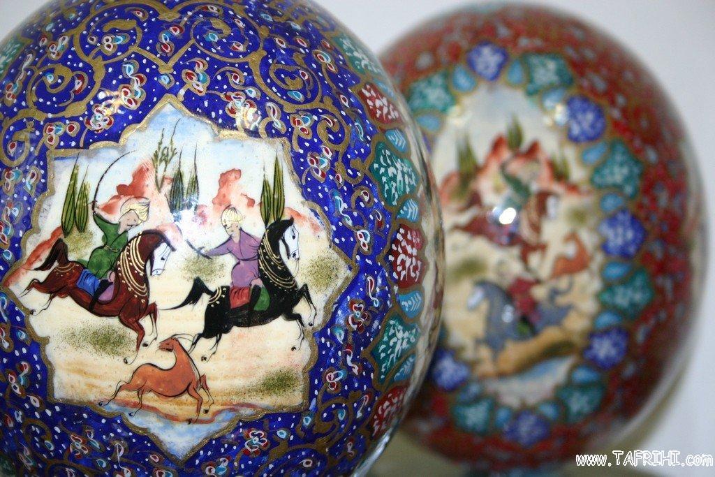 هنر نقاشي (مينياتور) هنرمندان اصفهاني بر روي تخم شترمرغ